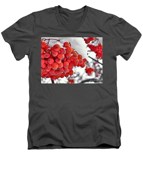 Winter Berries Men's V-Neck T-Shirt