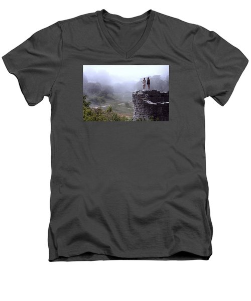 Women Overlooking Bright Foggy Valley Men's V-Neck T-Shirt
