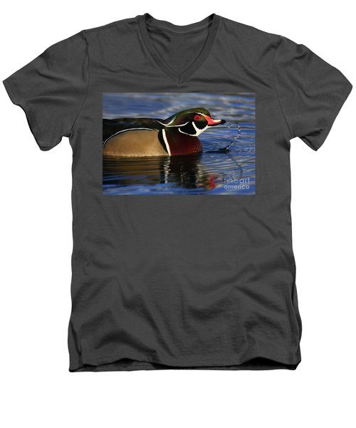 Wood Duck Waterdrops Men's V-Neck T-Shirt
