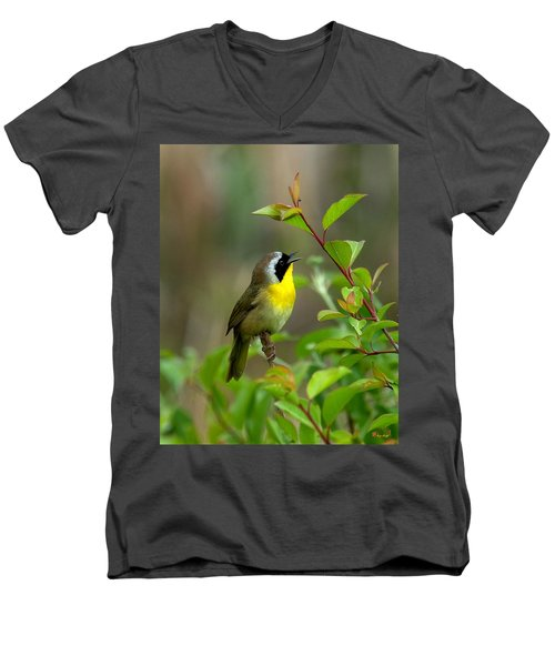 Men's V-Neck T-Shirt featuring the photograph  Common Yellowthroat Warbler Warbling Dsb006 by Gerry Gantt