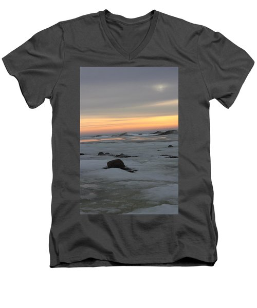 Winter Evening Lights Men's V-Neck T-Shirt