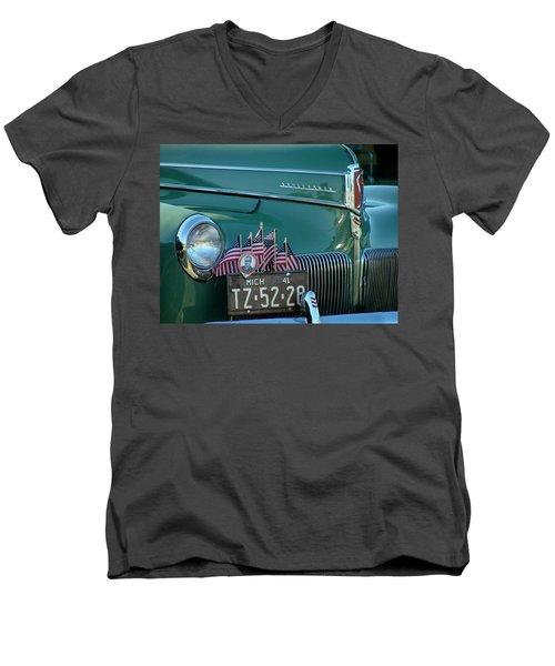 1941 Studebaker Men's V-Neck T-Shirt