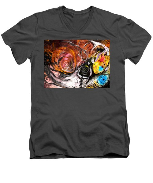 Anewed Antypityped Five Fish Men's V-Neck T-Shirt
