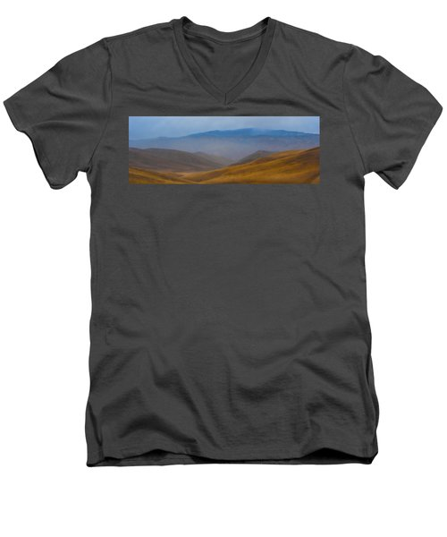 Men's V-Neck T-Shirt featuring the photograph Bakersfield Horizon by Hugh Smith