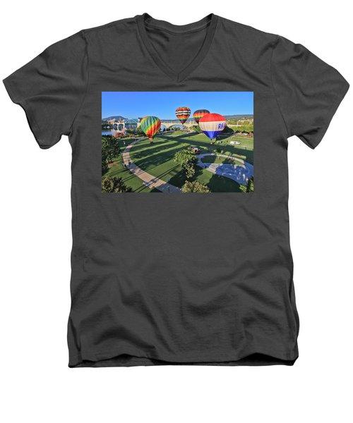 Balloons In Coolidge Park Men's V-Neck T-Shirt