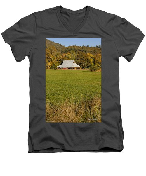 Men's V-Neck T-Shirt featuring the photograph Barn Near Murphy by Mick Anderson