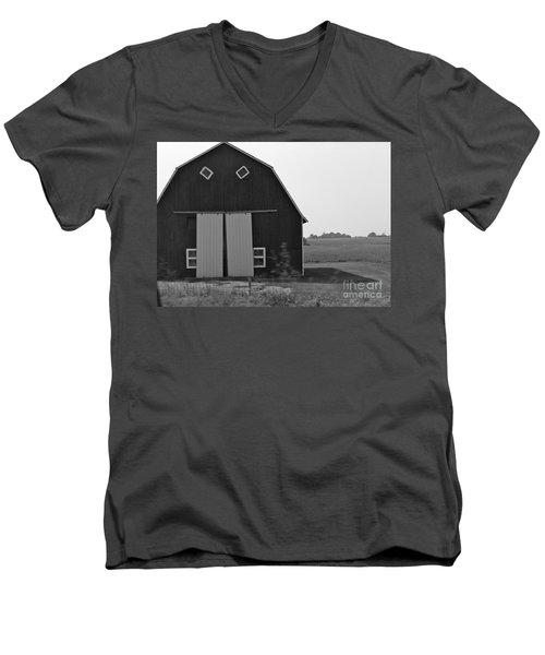 Big Tooth Barn Black And White Men's V-Neck T-Shirt