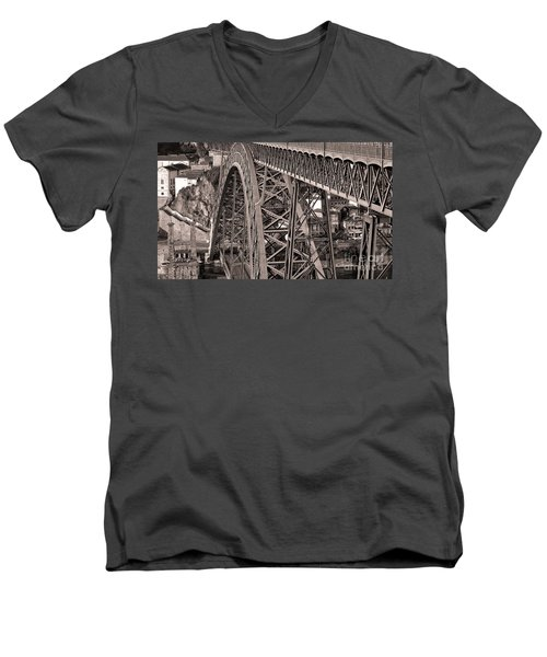 Bridge Construction Men's V-Neck T-Shirt