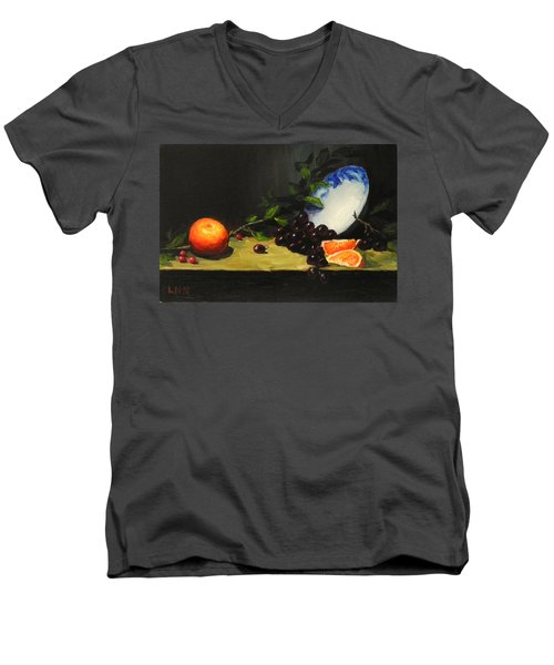 China Bowl And Fruits Men's V-Neck T-Shirt