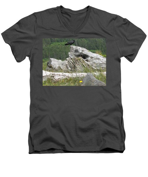 Dandelion Crow - On Oregon Coast Driftwood  Men's V-Neck T-Shirt by Cliff Spohn