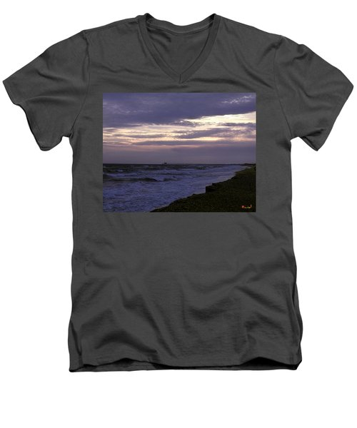 Men's V-Neck T-Shirt featuring the photograph Fishing Pier Before The Storm 14a by Gerry Gantt