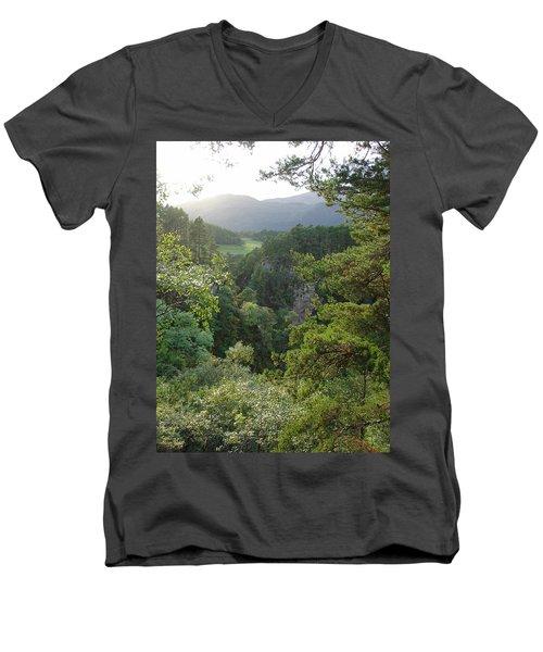 Foyers Valley Men's V-Neck T-Shirt