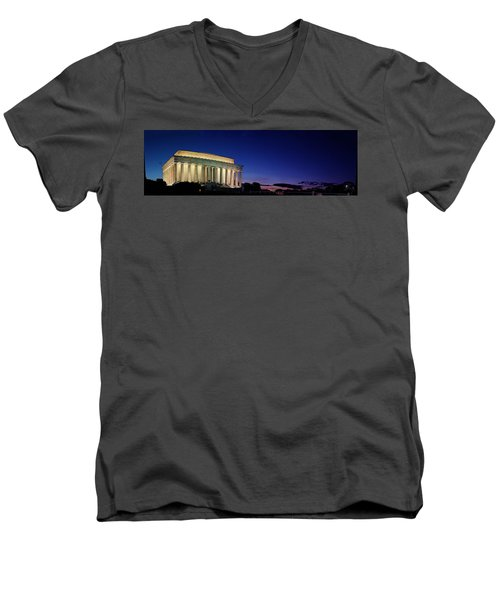 Lincoln Memorial At Sunset Men's V-Neck T-Shirt