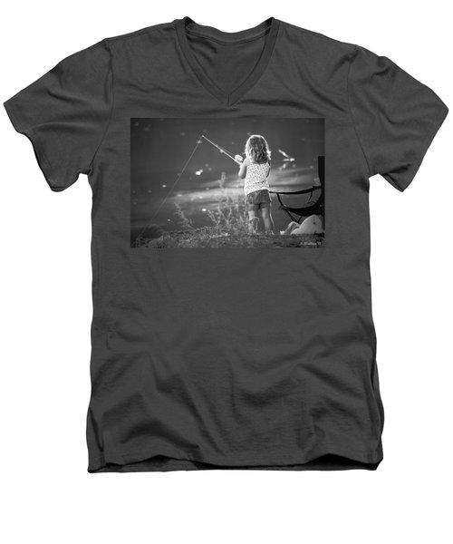Little Fishing Girl Men's V-Neck T-Shirt
