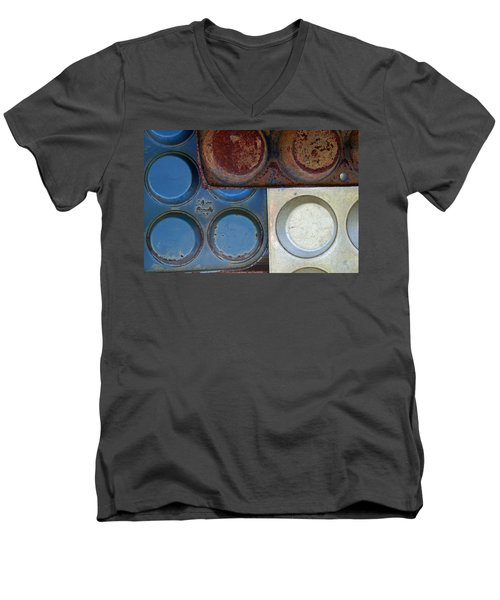 Muffin Tins Men's V-Neck T-Shirt