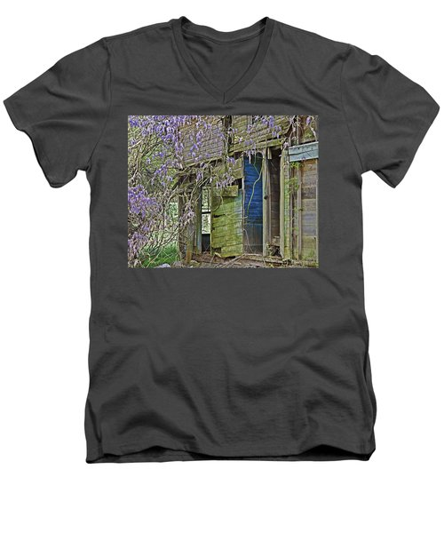 Old Abandoned House Men's V-Neck T-Shirt