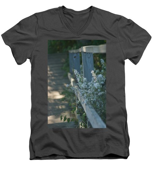 Reedsburg Dam Men's V-Neck T-Shirt