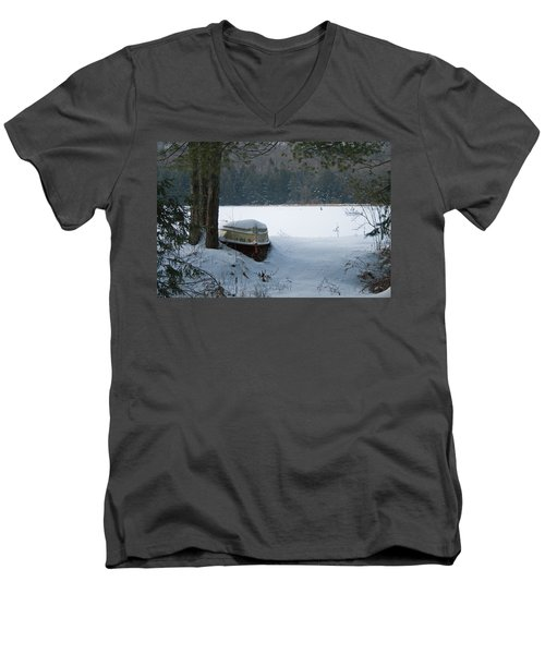 Resting For The Season Men's V-Neck T-Shirt