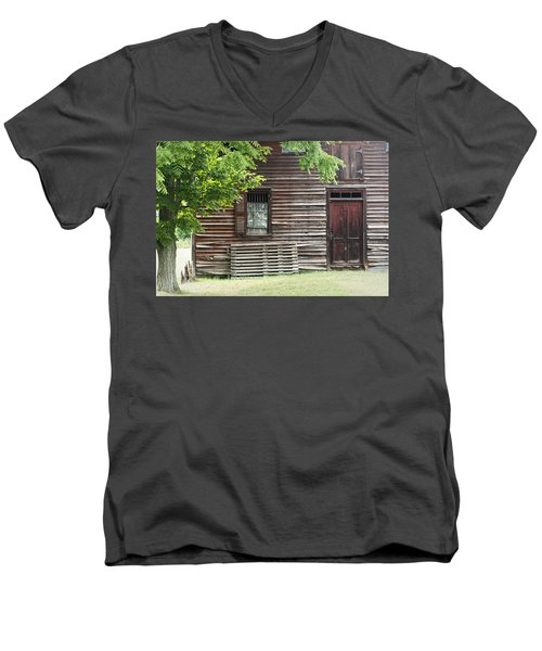 Simple Living Men's V-Neck T-Shirt