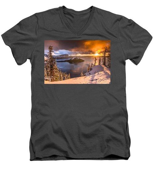 Starburst Sunrise At Crater Lake Men's V-Neck T-Shirt