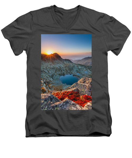 Tears Of The Giant Men's V-Neck T-Shirt