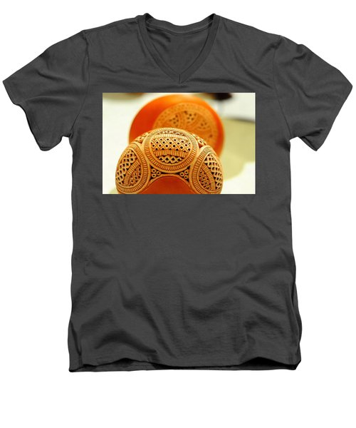 Terracotta Lampshade Men's V-Neck T-Shirt