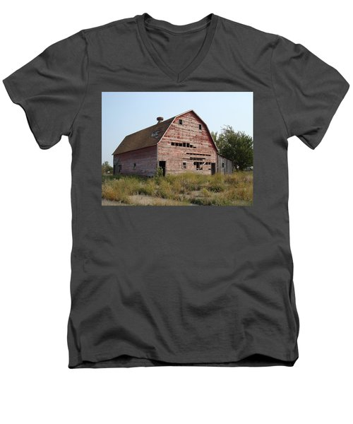 Men's V-Neck T-Shirt featuring the photograph The Hole Barn by Bonfire Photography
