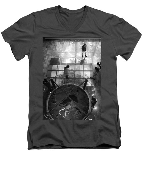 The Oculus Men's V-Neck T-Shirt by Lynn Palmer