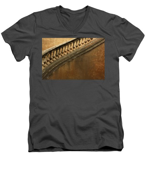 The Queen's Staircase Men's V-Neck T-Shirt
