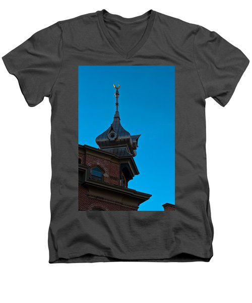 Men's V-Neck T-Shirt featuring the photograph Turret At Tampa Bay Hotel by Ed Gleichman