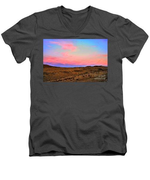 Wyoming Lights Men's V-Neck T-Shirt