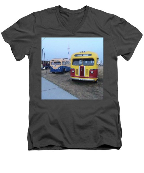 Retro Bus Men's V-Neck T-Shirt