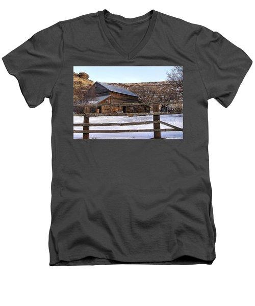 Country Barn Men's V-Neck T-Shirt