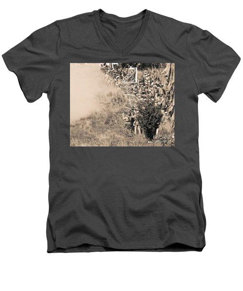 Gettysburg Confederate Infantry 8769s Men's V-Neck T-Shirt
