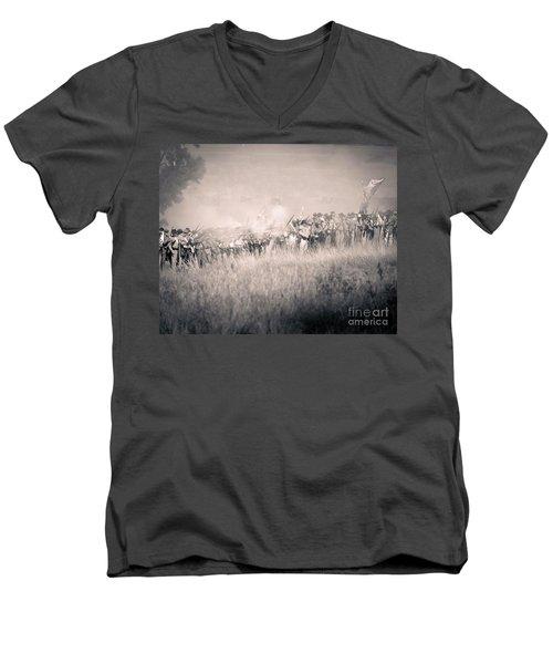 Gettysburg Confederate Infantry 9112s Men's V-Neck T-Shirt