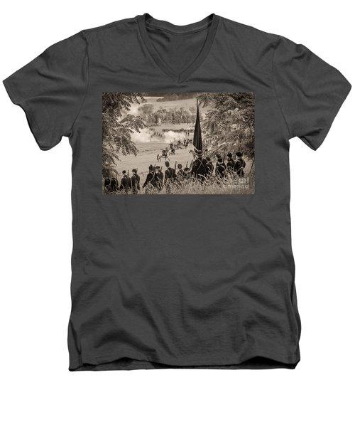 Gettysburg Union Artillery And Infantry 7457s Men's V-Neck T-Shirt