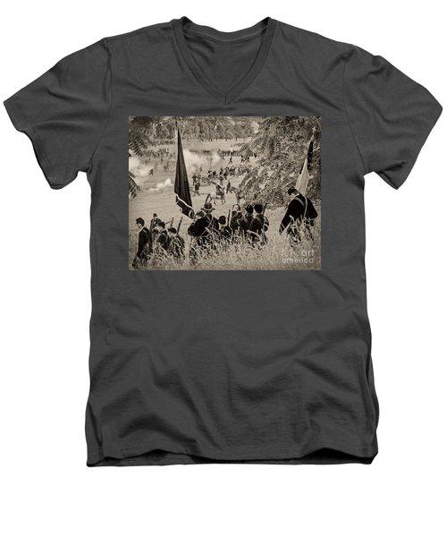Gettysburg Union Artillery And Infantry 7459s Men's V-Neck T-Shirt