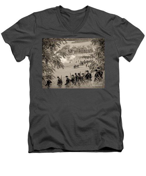 Gettysburg Union Artillery And Infantry 7465s Men's V-Neck T-Shirt