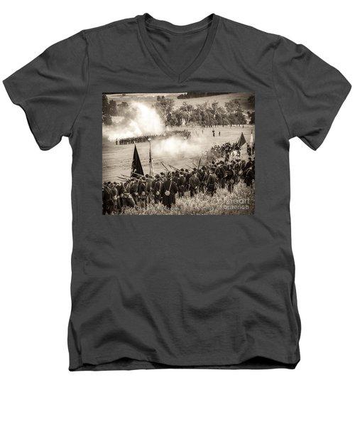 Gettysburg Union Artillery And Infantry 7496s Men's V-Neck T-Shirt