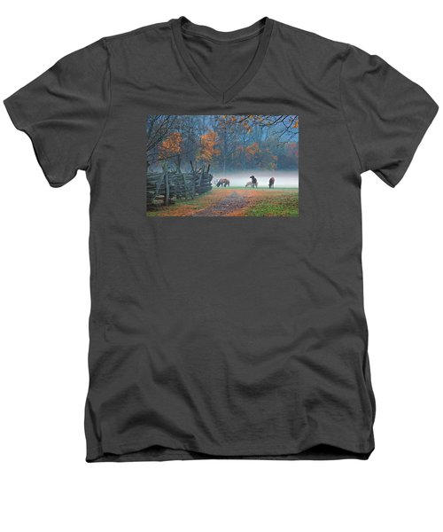 Oconaluftee Visitor Center Elk Men's V-Neck T-Shirt