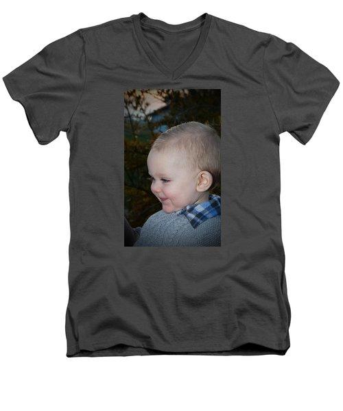 014 Men's V-Neck T-Shirt