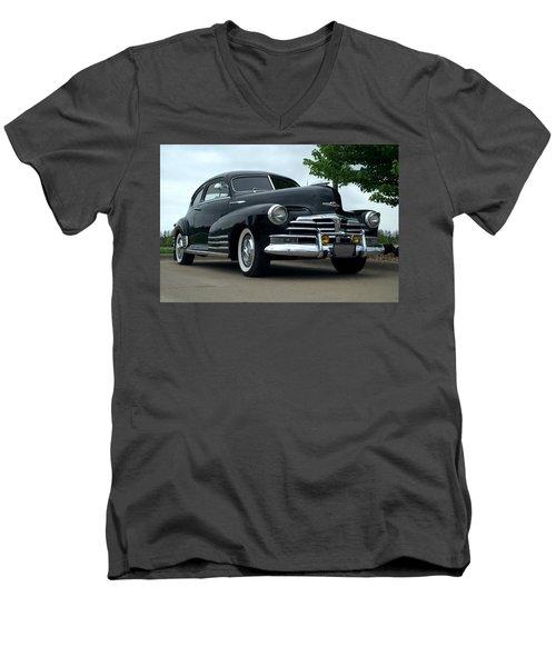 1948 Chevrolet Fleetline Custom Men's V-Neck T-Shirt