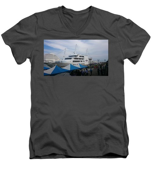 Port City Men's V-Neck T-Shirt