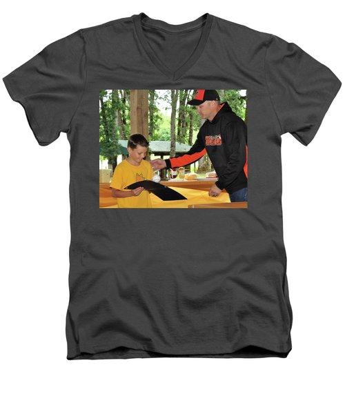 9795 Men's V-Neck T-Shirt