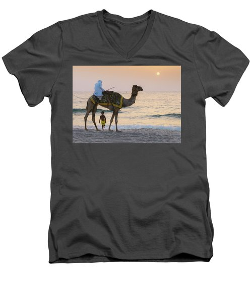 Little Boy Stares In Amazement At A Camel Riding On Marina Beach In Dubai, United Arab Emirates -  Men's V-Neck T-Shirt