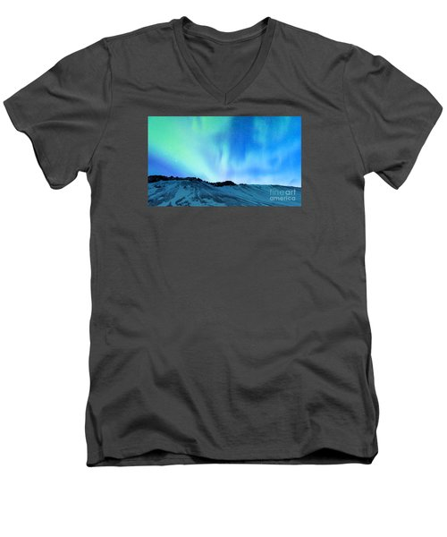 Amazing Northern Light Men's V-Neck T-Shirt