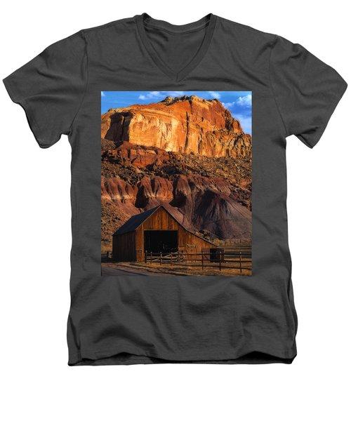 Capitol Reef National Park, Ut Men's V-Neck T-Shirt