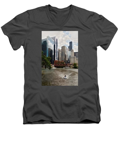 Chicago River Jet Ski Men's V-Neck T-Shirt