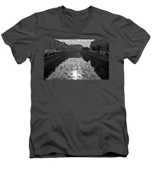 City Reflected In The Water Channels Men's V-Neck T-Shirt