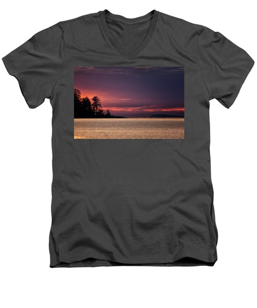 Craig Bay Sunset Men's V-Neck T-Shirt
